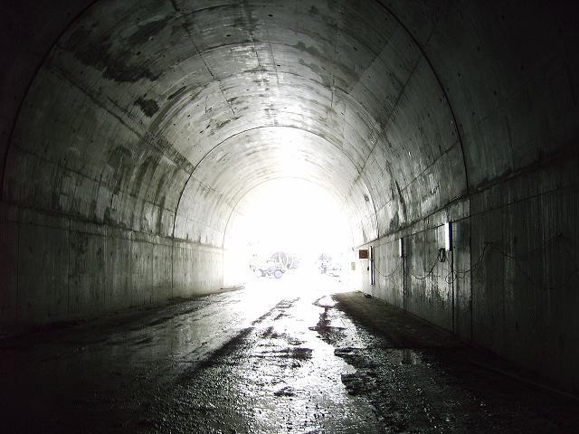 Falso_túnel_emboquille_sur